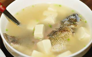 冬季养生汤之鲫鱼豆腐汤